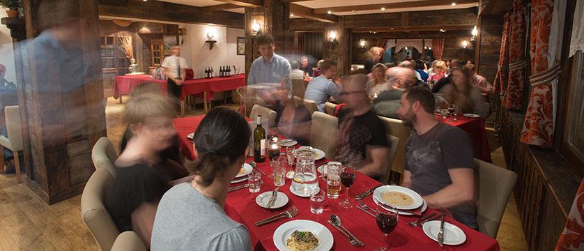 switzerland_verbier_xtra-chalet-de-verbier_dining-room3.jpg
